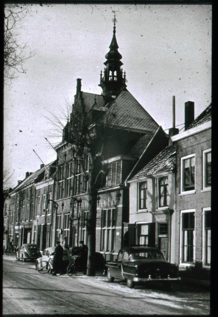In de omgeving van het vroegere gemeentehuis van Jutphaas vond de dramatische schietpartij plaats. Bron: Boek Twee dorpen in oorlogstijd - deel 1 en 2