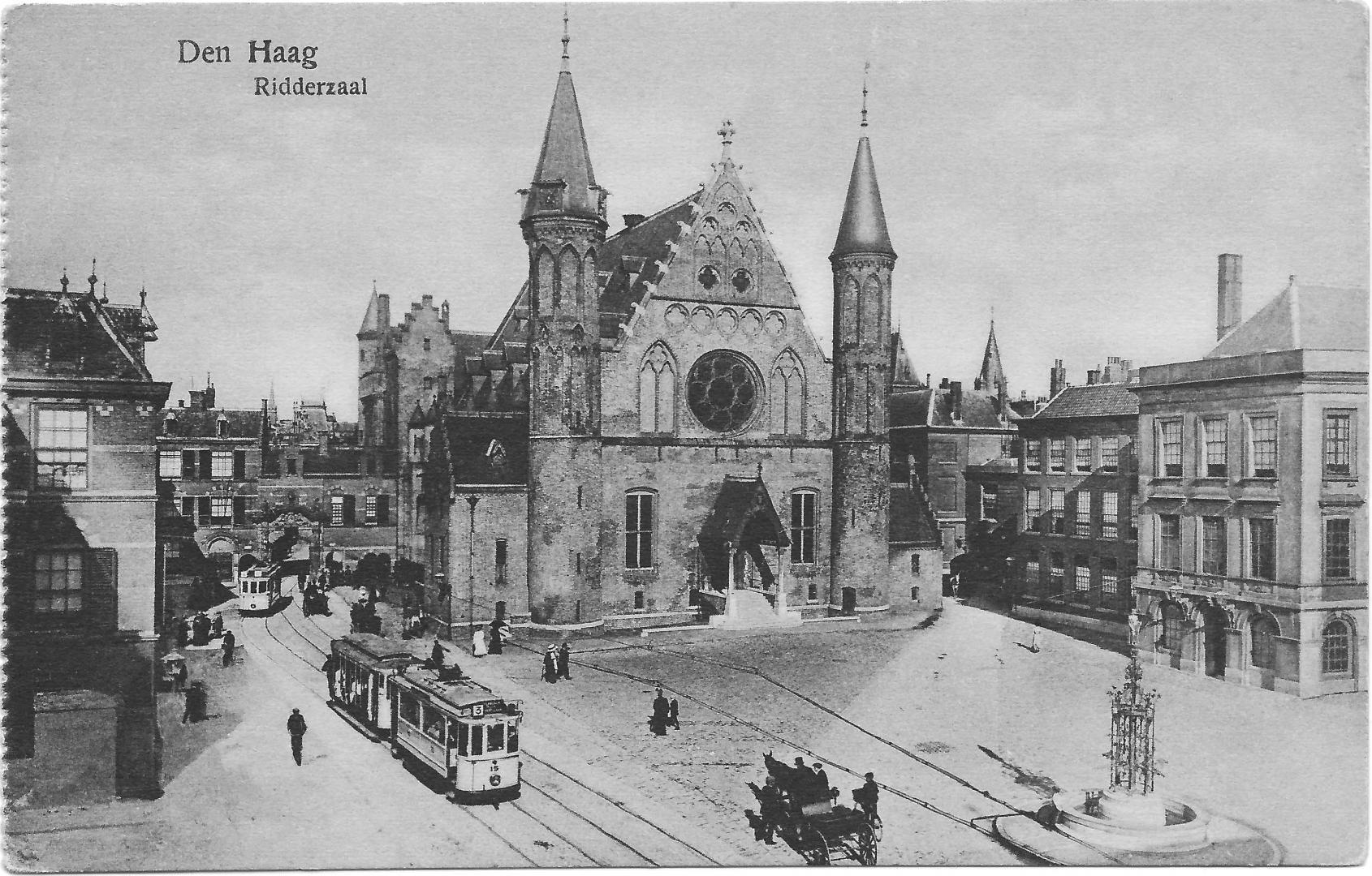 Het Binnenhof met tramlijn 3, omstreeks 1910