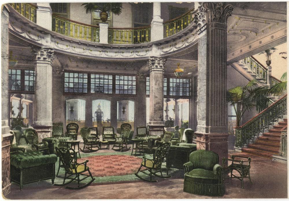Hotel Des Indes circa 1907