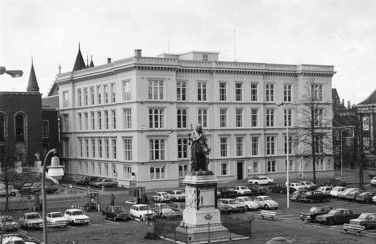 Voorzijde Ministerie van Koloniën in 1975