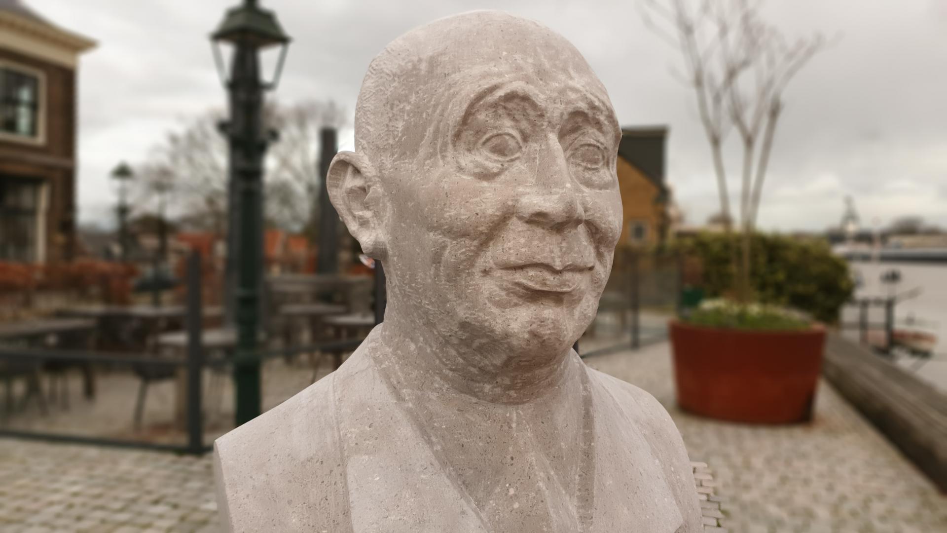 Standbeeld ir. Johan van Veen