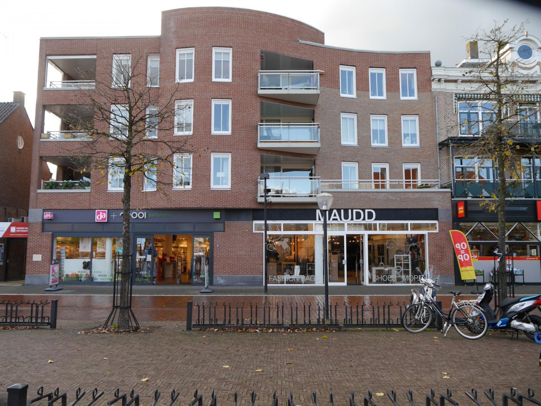 Hoofdstraat 114, Hoogeveen