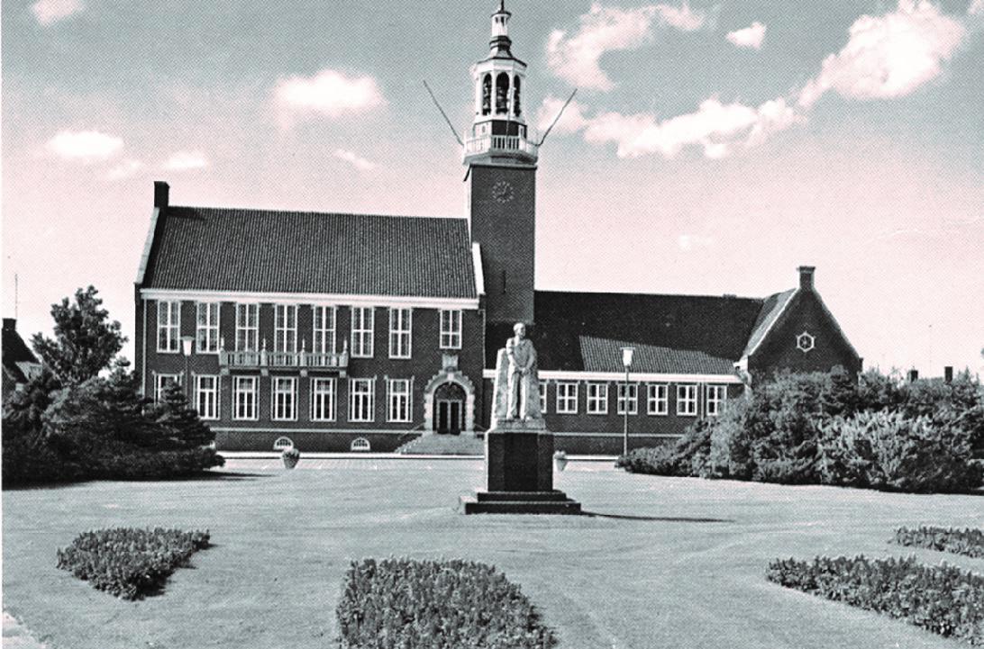 Raadhuis, Raadhuisplein 1, Hoogeveen