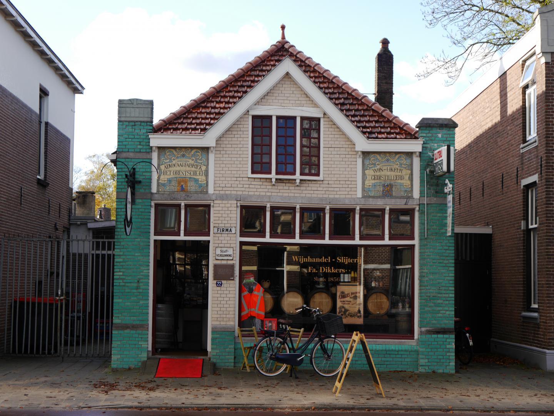 Brinkstraat 22 Wijnhandel en Slijterij Dikkers